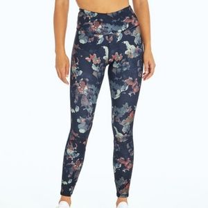 JESSICA SIMPSON black abstract cut blooms zoey